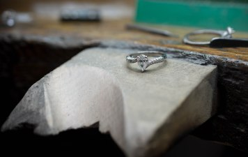 Platinum Pear shaped diamond ring